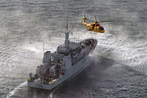 HMCS Ssaskatoon, Mar. 2007, Photo by Rayzlens