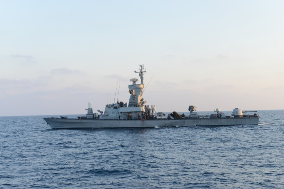 Israel_Navy_Strike_Gaza_from_the_Sea_(14738072664)